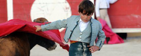 Le jeune apprenti torero Michelito en 2008 à Arles