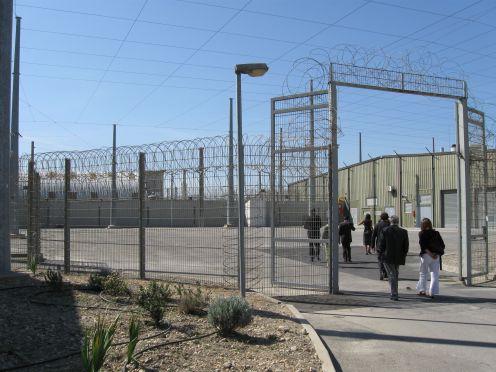 reouverture prison centrale pénitentiaire Arles