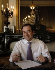 le maire d'Arles Hervé Schiavetti