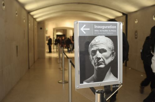 Louvre_Cesar.jpg