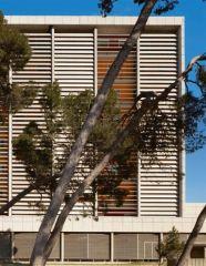Arles_contemporaine__Large_.jpg