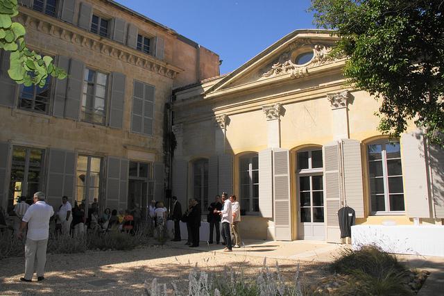 Inauguration des locaux du club Entraide Solidarité 13 dans l'Hôtel de Chartrouse