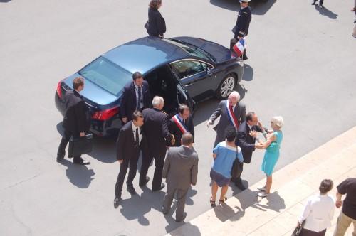 Hollande arrivée Place de la Republique (5)