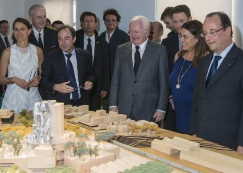 Le Président de la République découvre le projet de la Fondation Luma. Photo Fondation Luma, Lionel Roux