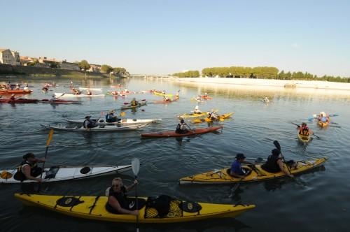 Arles info le raid littoral 13 fait tape arles - Navy service port saint louis du rhone ...