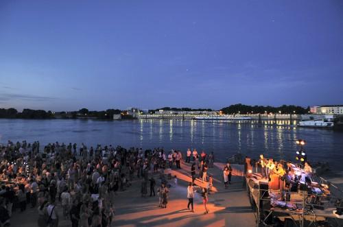 Guinguette du Cargo de Nuit esplanade quai Saint Pierre pm