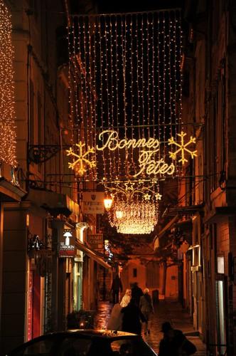 Illuminations de Noël des rues d'arles