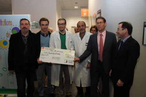 chèque Corrida France pour hôpital Joseph Imbert