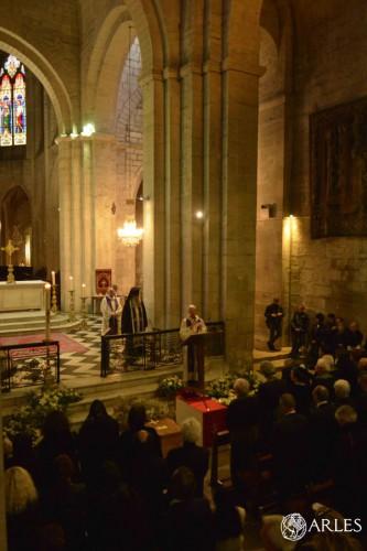 Les obsèques de Lucien Clergue ont été célébrées dans la primatiale Saint-Trophime. photo R. Boutillier, ville d'Arles