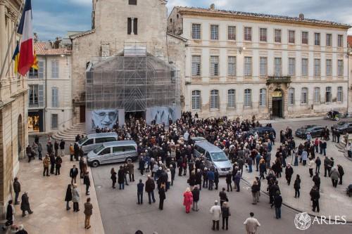 Les obsèques de Lucien Clergue à la Primatiale Saint-Trophime