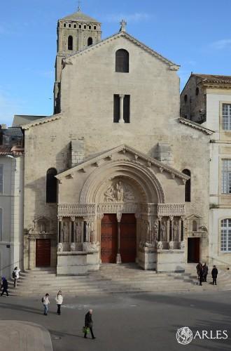 Le portail sculpté de Saint-Trophime après la restauration de décembre 2014. photo D. Bounias ville d'Arles