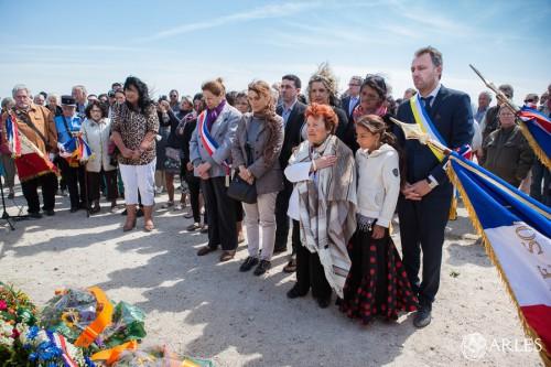 Cérémonie commémorative en hommage aux Tsiganes internés au camp de Saliers (1942-1944) sur décision du régime de Vichy