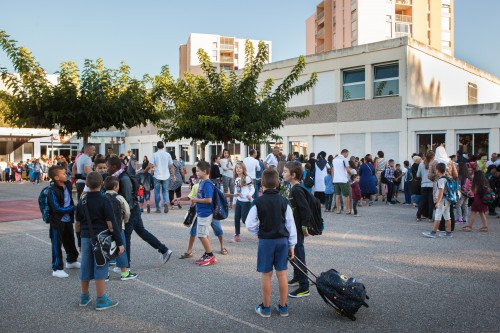 Rentrée scolaire 2014 à l'école primaire Henri Wallon, quartier Barriol, Arles.