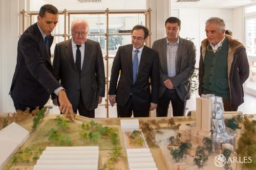 Visite du chantier de la fondation Luma avec Michel Vauzelle