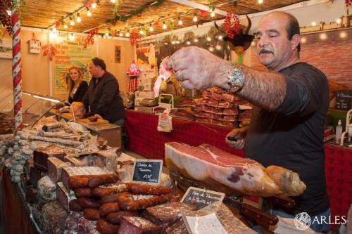 Au gré des allées du Salon, les producteurs et artisans vantent leurs produits.