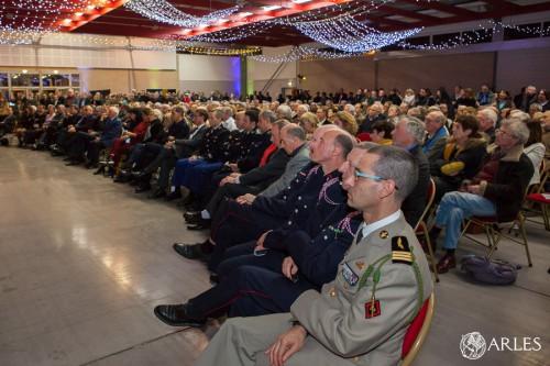 Cérémonie des voeux 2016 à Arles. Officiels et public lors du discours de Hervé Schiavetti, maire d'Arles.