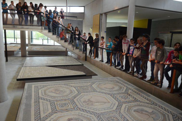concert pedagogique des suds au Musée départemental Arles antique