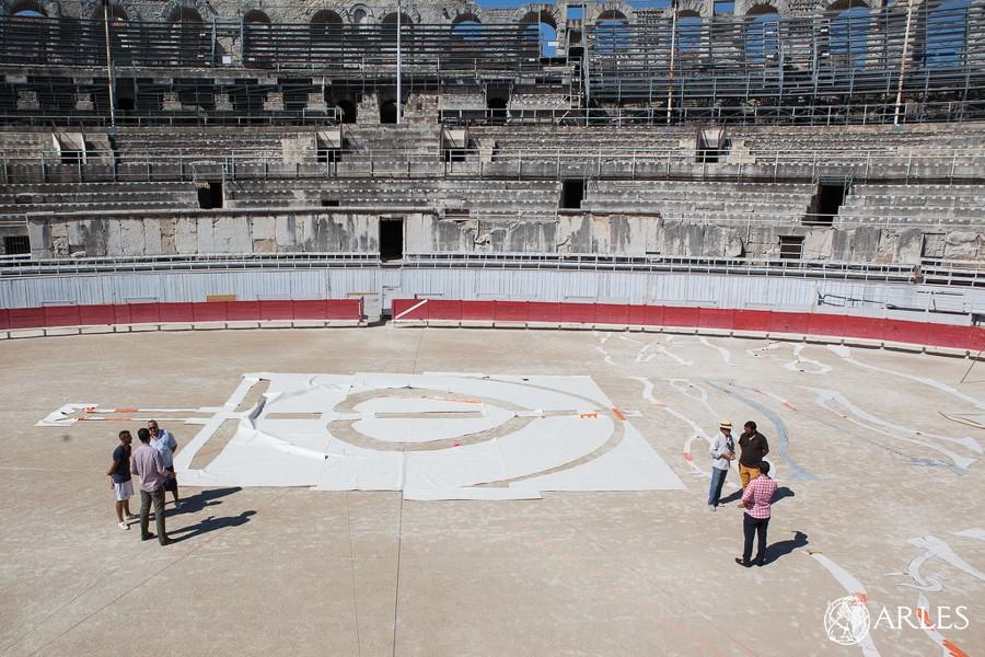 Tests d'installation du décor de la Goyesque 2016, arènes d'Arles