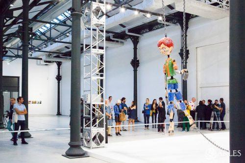 Présentation de Colored Sculpture de Jordan Wolfson, accompagné de Urs Fischer au Atelier Mécanique Générale, Arles