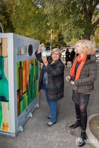 Installation d'une nouvelle colonne à verre boulevard des Lices