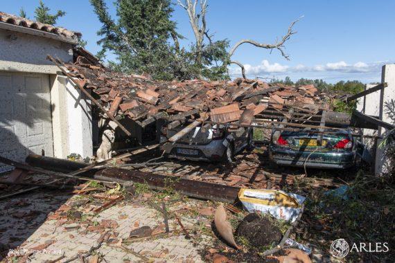 Une tornade a traversé le quartier de Pont-de-Crau mardi 15 octobre 2019 vers 4h30 du matin, sur une distance d'environ 800 mètres et un périmètre de 25 hectares. Elle a touché 173 maisons, dont une vingtaine sont jugées